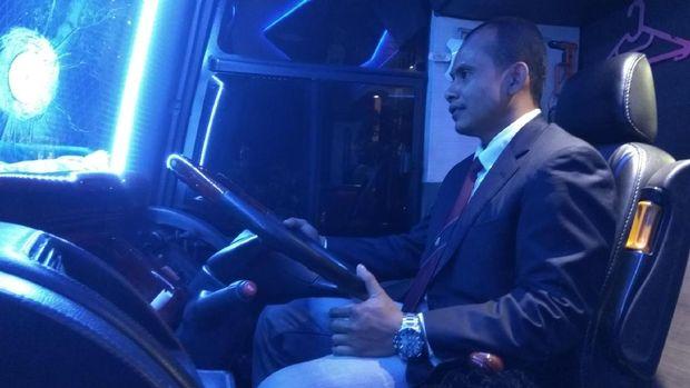 Sopir bus Double Decker di Aceh tampil elegan (Agus Setyadi/detikTravel)
