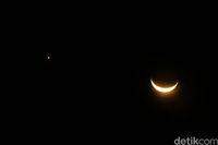 Ini Penampakan Bulan Sabit Dan Venus Yang Tampak Dekat