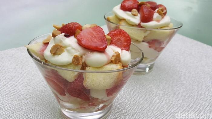 Resep Dessert: Trifle Strawberry Cream Cheese