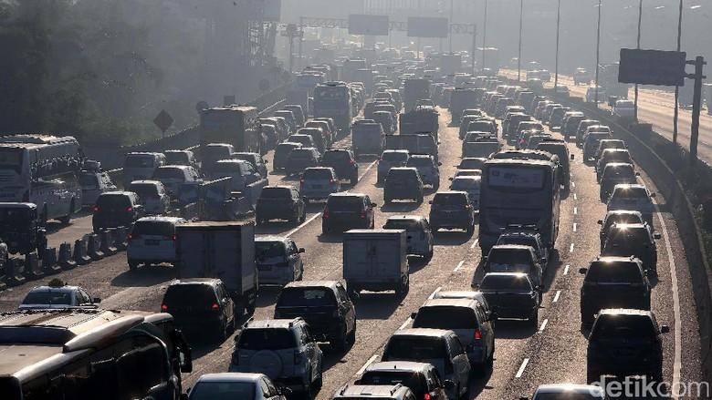 Ini Titik Kemacetan di Tol Jakarta-Cikampek Saat Libur Imlek