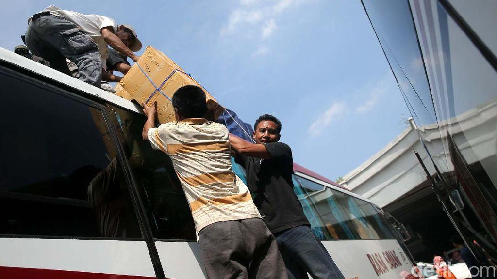 Naik Bus dari Terminal Pulogebang, Bisa Pelesir Sampai NTT
