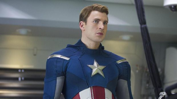 Captain America biasanya tampil tanpa berewok di film-film sebelumnya.