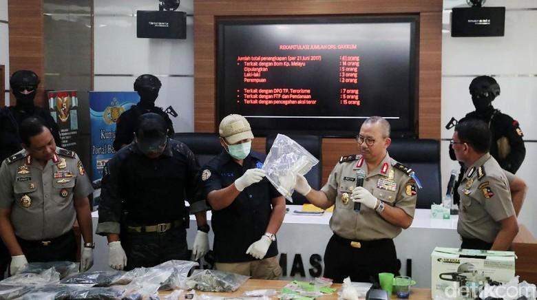 Densus 88 Tangkap 41 Orang, 9 Jadi Tersangka Bom Kampung Melayu