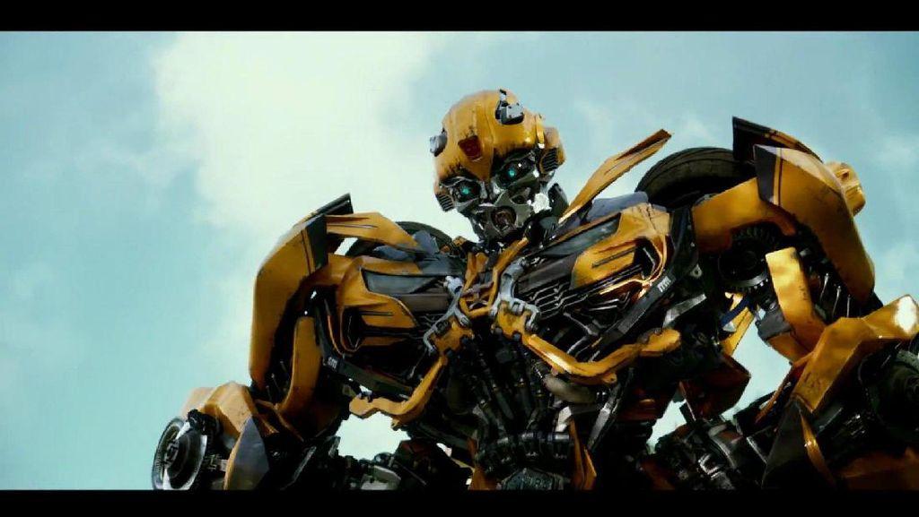Keren Abis! Karya Ari Wibowo Buat Kostum Transformers