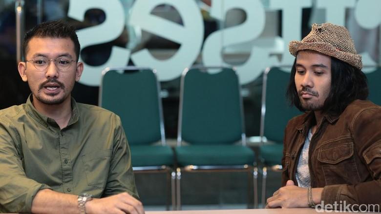 Rio Dewanto dan Chicco Jerikho bintangi Filosofi Kopi 2: Ben & Jody. Foto: Hanif Hawari/detikHOT