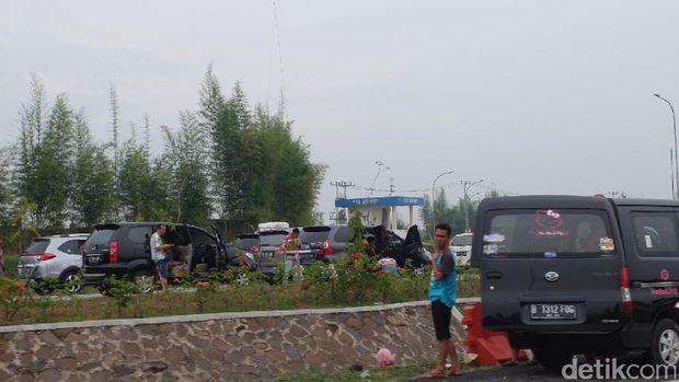 Masuk Tol Cipali, Pemudik Sudah Disambut Macet dari KM 75
