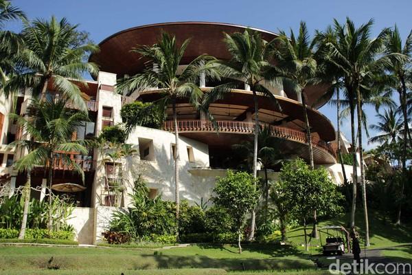 Mengusung konsep alam yang disesuaikan dengan kontur Desa Sayan sebagai lokasinya, Four Seasons Resort Bali at Sayan memiliki 18 jenis kamar suites dan 42 vila dengan total 60 kamar (Randy/detikcom)
