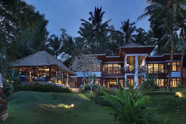 Namun selain suites dan vila yang sudah disebutkan, masih ada Royal Vila yang hanya dibuat satu saja. Mungkin Kim mengambil vila yang satu ini? (dok Four Seasons Resort)