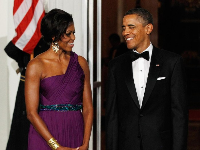 WASHINGTON - JANUARY 21: President Barack Obama and first lady Michelle Obama attend the Southern Inaugural Ball on January 21, 2009 in Washington, DC. The Obamas will be attending 10 Inaugural Balls. Obama was sworn in as the 44th President of the United States, becoming the first African American to be elected President. (Photo by Brendan Hoffman/Getty Images)