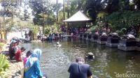 Suasana di Taman Teras Cikapundung