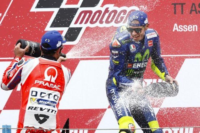 Rossi menjuarai MotoGP Belanda setelah memenangi duel sengit dengan Danilo Petrucci (Foto: AFP PHOTO / ANP / Vincent JANNINK)