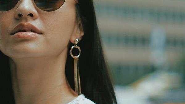 Raline Shah Tampil Sensual di Jalanan Kota New York
