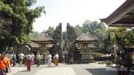 Bali Cari Bule yang Protes Tak Bisa Masuk Pura saat Menstruasi