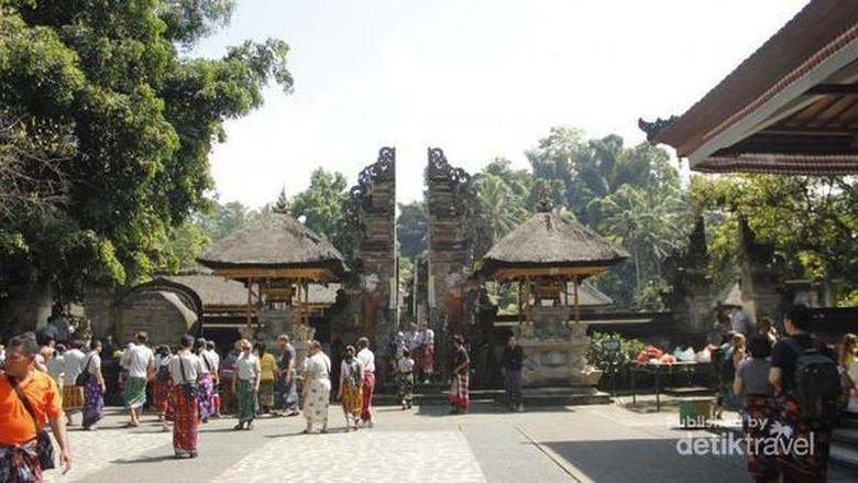 Pura Tirta Empul di Bali