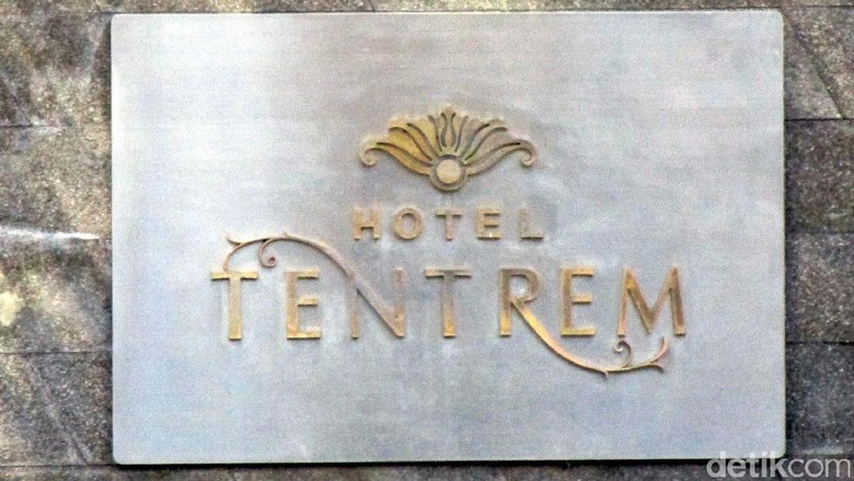 Barack Obama dan keluarga tiba di Hotel Tentrem Yogyakarta untuk menginap.