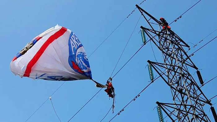 Balon Udara Tersangkut/Foto: Dok. PLN