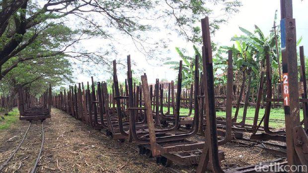 Lori bekas pabrik gula peninggalan Belanda di Brebes