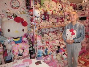Unik, Kakek 67 Tahun Koleksi Hello Kitty Sampai 9.000 Lebih Item