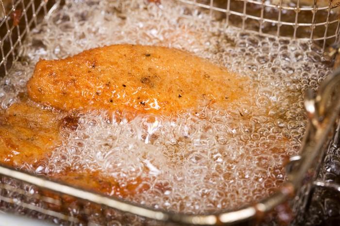 Begini Sebenarnya Proses Menggoreng Ayam Goreng KFC yang Renyah