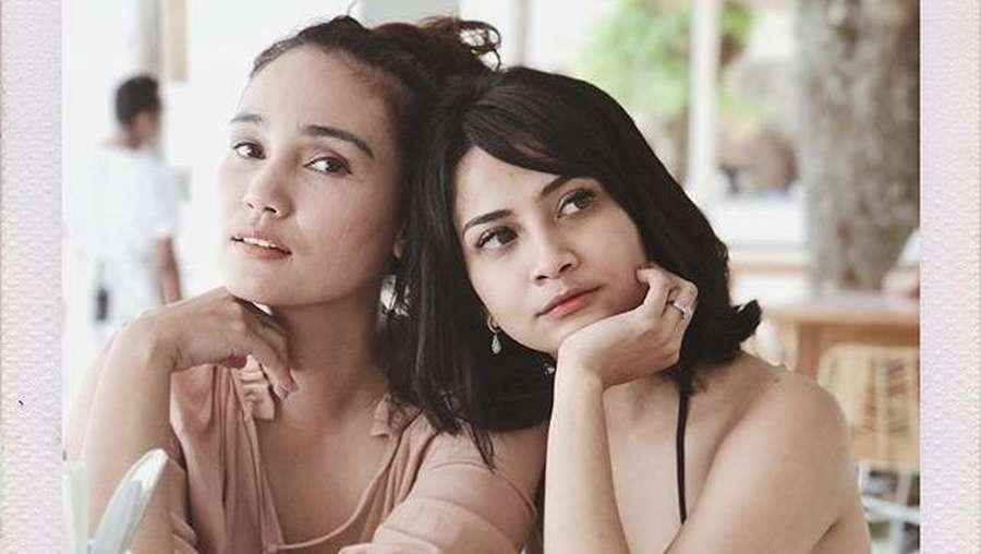 Vanessa Angel Seksi Berbikini di Bali
