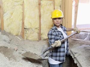 Viral, Video Wanita Cantik Kerja Jadi Kuli Bangunan yang Bikin Kagum