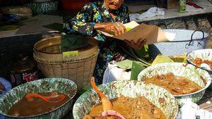 Usia Tak Jadi Penghalang Bagi 5 Penjaja Makanan Tradisional Ini