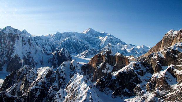 Denali salah satu gunung yang ditundukkan Fransiska dan Mathilda.