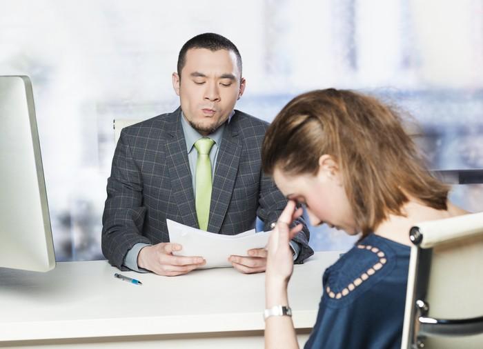 Jangan ragu untuk bicara dengan atasan jika Anda sudah kelebihan beban kerja. Performa yang baik memang membuat Anda lebih banyak pekerjaan, namun atasan tahu jika Anda lelah maka hasil yang diharapkan tidak akan tercapai. (Foto: ilustrasi/thinkstock)