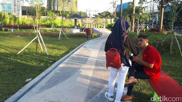 Suasana RTH Kaca Mayang