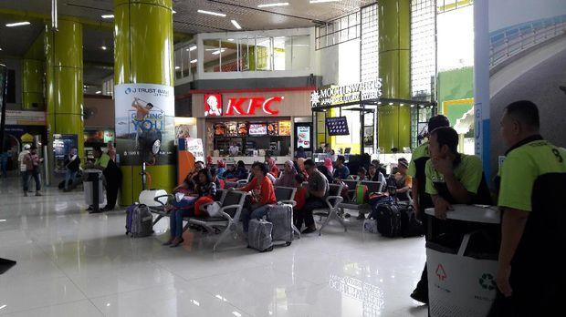 Penumpang yang tiba di Stasiun Gambir pada H+8 lebaran mencapai 14.019 orang.