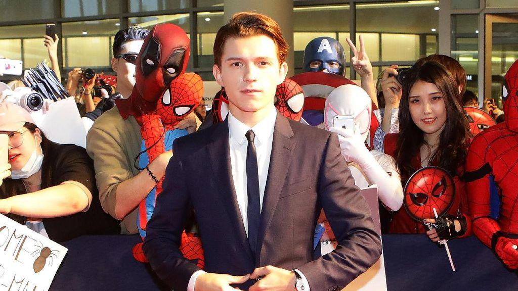 Tom Holland Sebut Lakukan Adegan Berbahaya Tanpa Stuntman, Masa Sih?