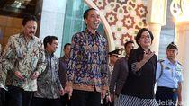 Jokowi soal Prabowo Sebut Menteri Pencetak Utang: Sri Mulyani Menkeu Terbaik