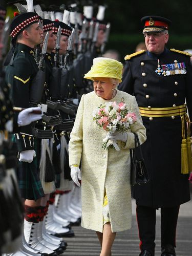 Meghan Markle Akhirnya Bertemu dengan Ratu Elizabeth