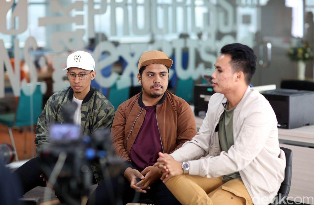 Grup vokal Tri Souls saat menjalani sesi wawancara di kantor detikcom untuk MainStage detikHot