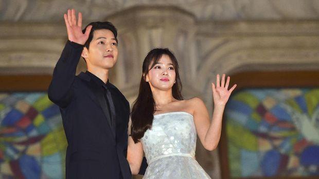 Song Joong-ki dan Song Hye-kyo menikah setahun lalu.
