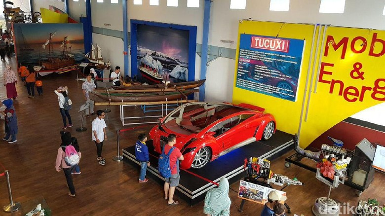 Mobil Tucuxi Dahlan Iskan yang menyita perhatian di Museum Angkut (Budi Sugiharto/detikTravel)