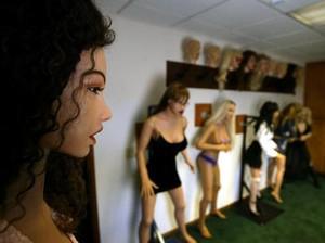 Fantasi Seperti Ini Bikin Pusing Pengelola Rental Boneka Seks