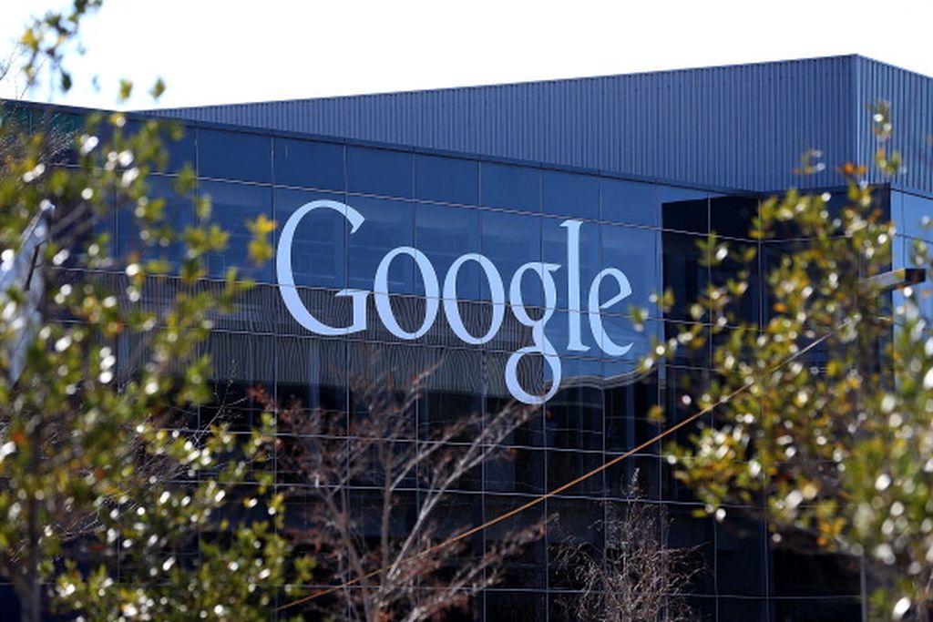 """Google mengkonfirmasi ikut dalam investasi terbaru Go-Jek. """"Investasi ini memungkinkan kami bermitra dengan local champion di ekosistem startup Indonesia yang berkembang, dan juga memperdalam komitmen kami dalam ekonomi internet Indonesia,"""" tulis Google di blog. Foto: Getty Images"""