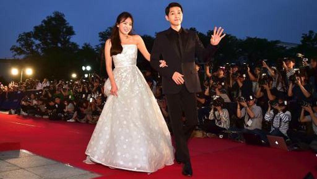 Cerita Song Hye Kyo Menangis Haru Saat Dilamar Song Joong Ki
