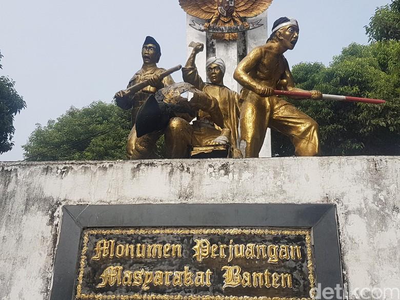 Tak Terawat, Patung Monumen Perjuangan Masyarakat Banten Rusak