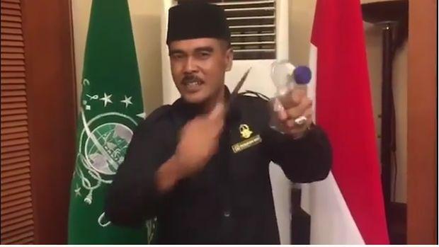 Ramai Video Pasukan Pagar Nusa Acungkan Pisau dan Tantang ISIS