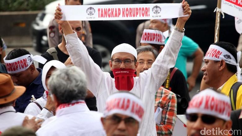 ILUNI UI dan Massa Antikorupsi Tolak Angket KPK
