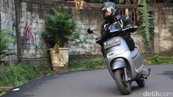 Motor Listrik yang Sudah Hadir di Indonesia