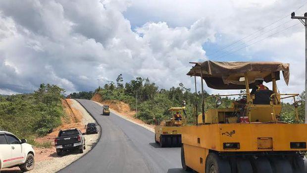 Salah Satu Ruas Jalan Perbatasan di Kalimantan