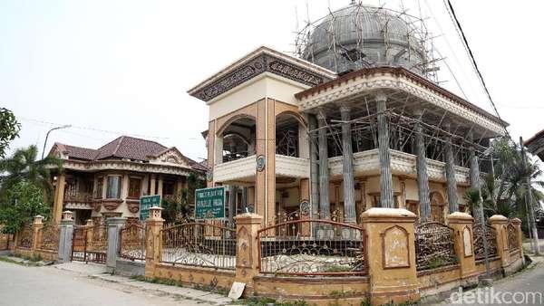 Disebut Janda Kaya, Ini Isi Rumah Muzdhalifah