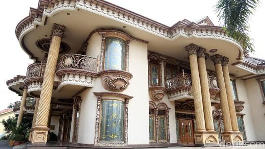 Ini Rumah Mewah Muzdhalifah yang Kabarnya Dijual Rp 30 Miliar