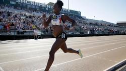 Pelari AS, Alysia Montano membuat sensasi dengan tetap mengikuti lomba lari 800 meter meski hamil 5 bulan. Ia mengaku terinspirasi Gal Gadot.