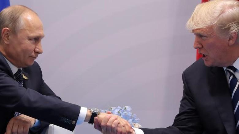 Via Telepon, Putin dan Trump Bahas Krisis Nuklir Korut