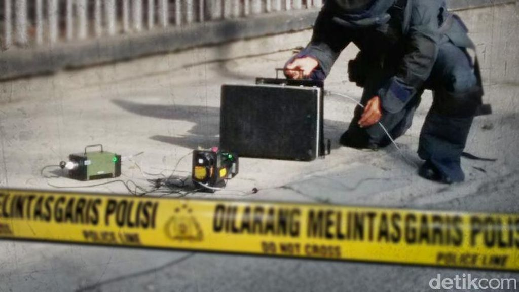 Ada Info Benda Mencurigakan di Vihara Jakbar, Ternyata Kotak Berisi Mik
