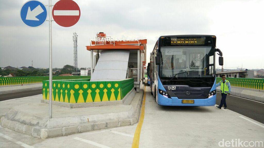 Menjajal Busway Layang Ciledug-Tendean yang Bakal Beroperasi 17 Agustus